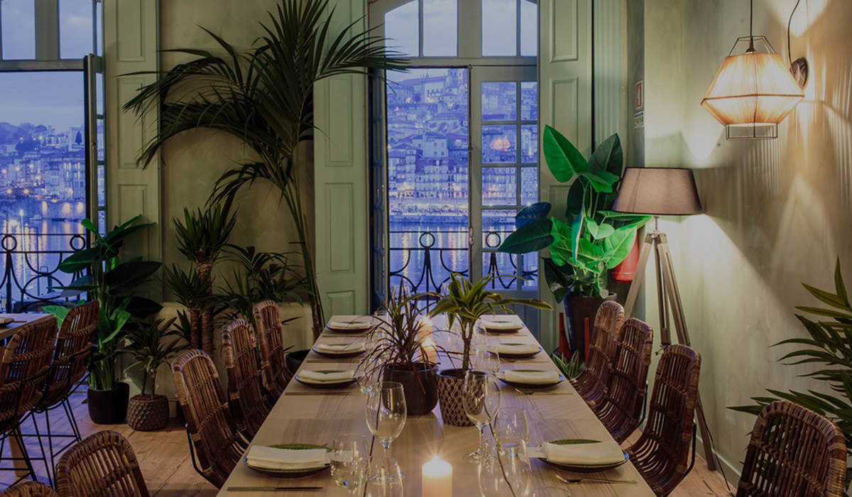Private restaurant event room with Porto and river view