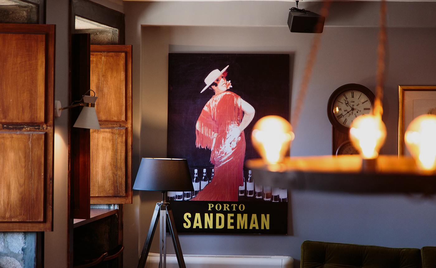 The Lounge with Sandeman decoration